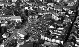 Bis weit in die 1980er-Jahre bot der Viehmarkt mehr als 600 Parkplätze, für die noch nicht einmal Gebühren erhoben wurden. Foto: Stadtarchiv Trier