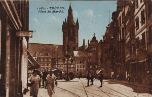 Postkarte mit Motiv des Hauptmarkts, 1. Hälfte 1920er-Jahre © Stadtarchiv Trier, Sammlung Hertmanni